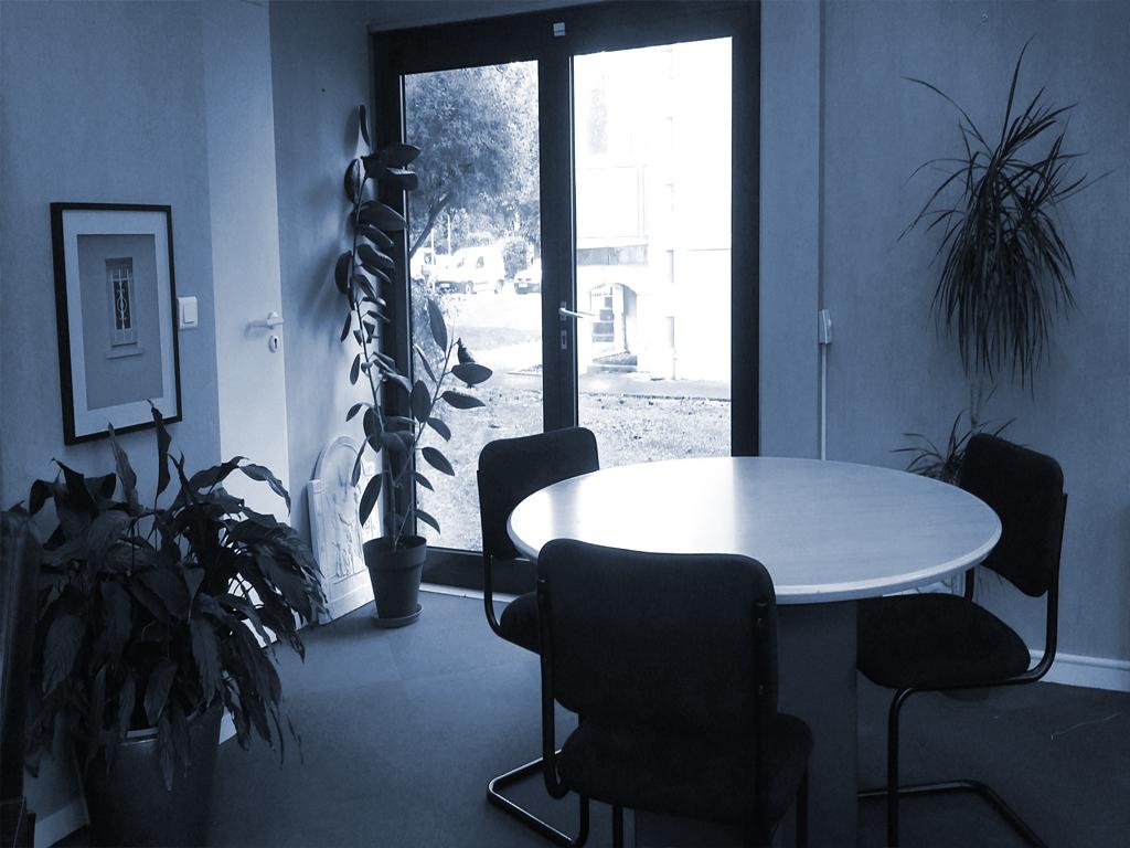 centre affaires pau location de bureaux centre d 39 affaires des lilas centre d 39 affaires praxis. Black Bedroom Furniture Sets. Home Design Ideas